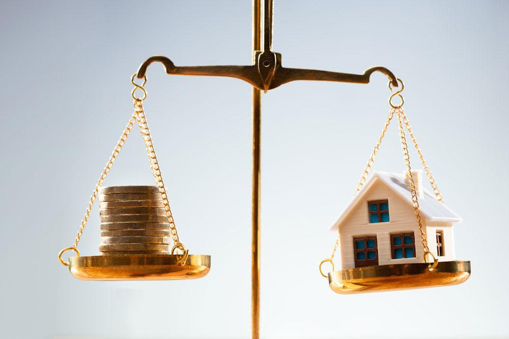 Geld Haus Immobilie Waage